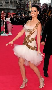 These rhinestone embedded strappy sandals were the perfect dose of sparkle and shine to Katy's frilly dress.