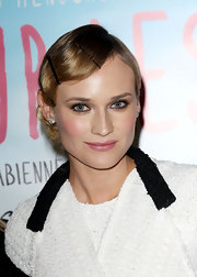 Diane Kruger showed off her retro waves while attending the premiere of 'Pieds Nus Sur Les Limaces'.