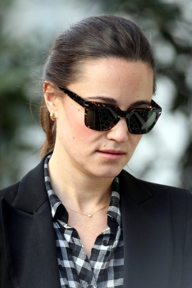 More Pics of Pippa Middleton Wayfarer Sunglasses (1 of 6) - Pippa Middleton Lookbook - StyleBistro