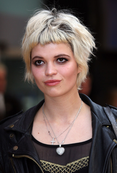 Pixie Geldof Layered Razor Cut []