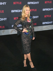 Molly Sims wowed in a Monique Lhuillier lace dress with colorful floral embroidery at the premiere of 'Bright.'