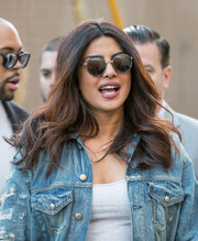 Priyanka Chopra stopped by 'Kimmel' wearing a casual yet chic center-parted wavy 'do.