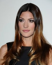 Jennifer Carpenter wore her ultra-shiny locks long and sleek at the QVC Red Carpet Style event.