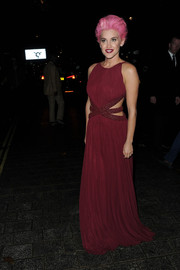 Ashley Roberts looked like she just stepped out of a fantasy film with this burgundy cutout gown and pink hair combo while attending the RSPCA Animal Hero Awards.