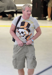 'Hell's Kitchen' star wears a skull tee to the airport.