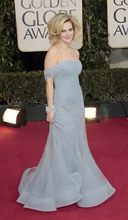 Drew paired her retro Dior gown with an over-the-top, Marilyn Monroe-inspired hairstyle.