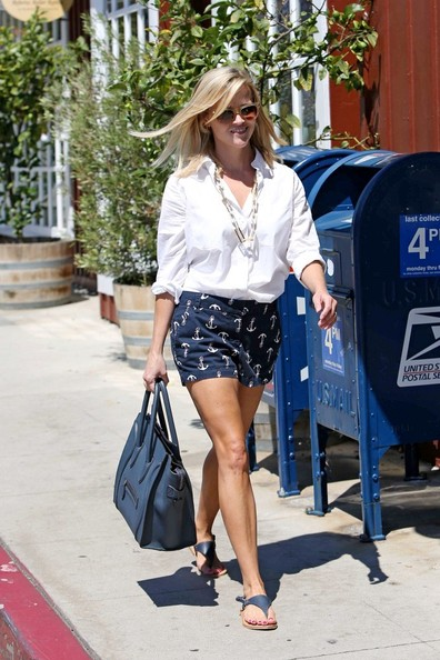 Reese Witherspoon Clothes
