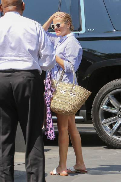 More Pics of Reese Witherspoon Straw Tote (1 of 10) - Straw Tote Lookbook - StyleBistro []