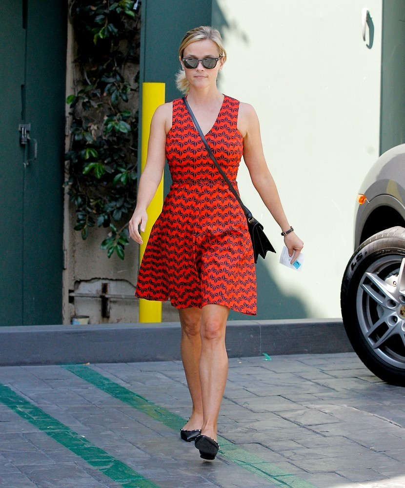 Reese Witherspoon has lunch in Brentwood, California.