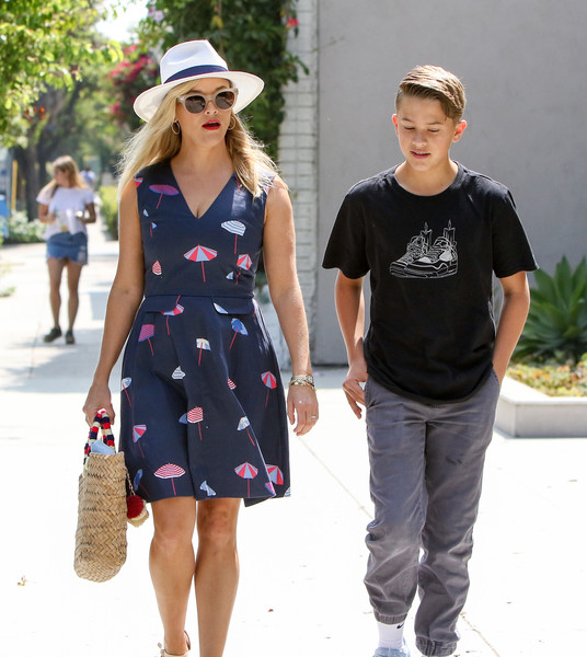 More Pics of Reese Witherspoon Wedges  (1 of 37) - Reese Witherspoon Lookbook - StyleBistro []