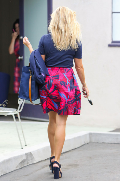 More Pics of Reese Witherspoon Mini Skirt (1 of 8) - Dresses & Skirts Lookbook - StyleBistro
