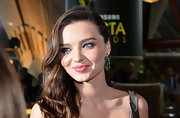 Miranda Kerr attended the Samsung AACTA Awards in Sydney, Australia wearing a pretty pink lipstick with a touch of shine.