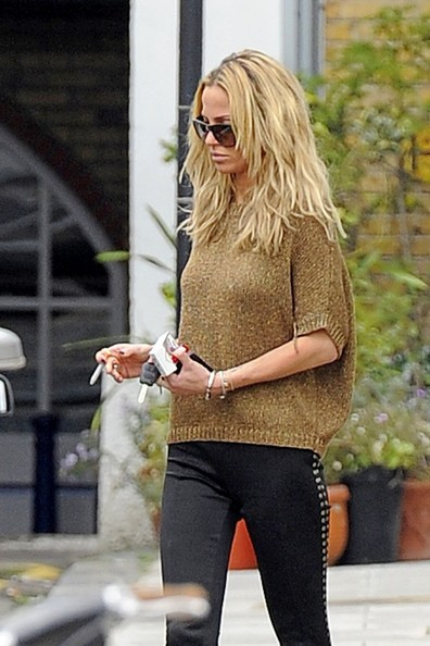 More Pics of Sarah Harding Knee High Boots (1 of 19) - Sarah Harding Lookbook - StyleBistro