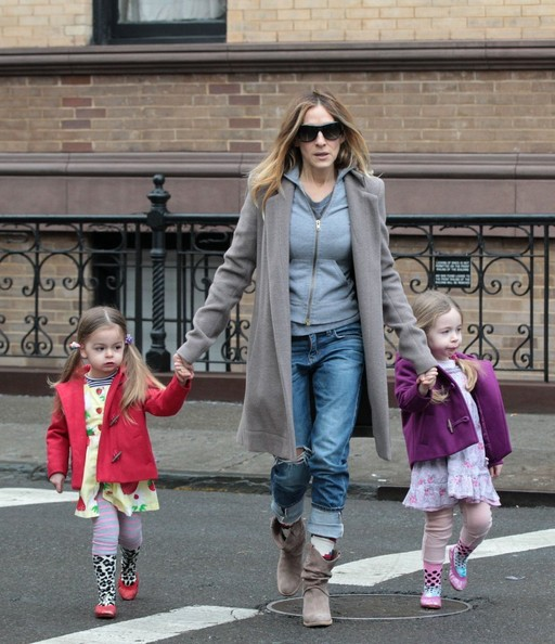 Sarah Jessica Parker Drops Off the Kids