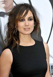 Berenice rocked an extra messy 'do at the 'Skyfall' photocall in Paris.