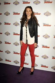 Danielle Lloyd's red skinny pants gave her just the right amount of color to make her look pop!