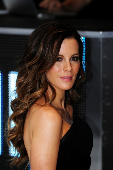 Kate Beckinsale's Peekaboo Highlights