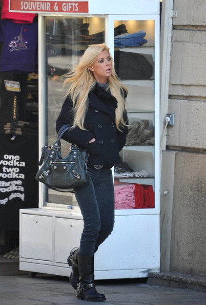 Tara Reid Shoes