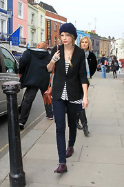 Taylor wears a boyfriend blazer over her striped tee while out shopping in Notting Hill.