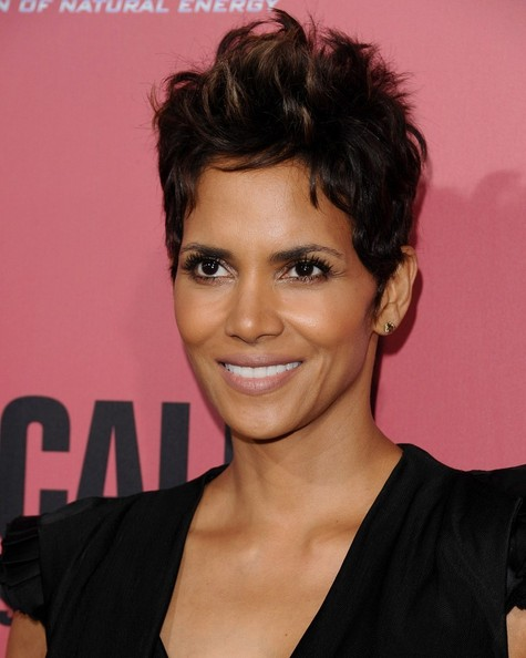 More Pics of Halle Berry Pixie (20 of 37) - Short Hairstyles ...