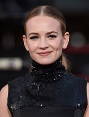 Britt Robertson wore a stark yet stylish center-parted ponytail at the premiere of 'The Longest Ride.'