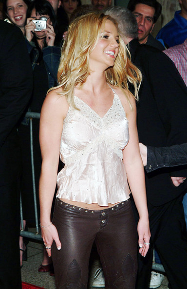 More Pics of Britney Spears Medium Wavy Cut (4 of 7) - Britney Spears Lookbook - StyleBistro
