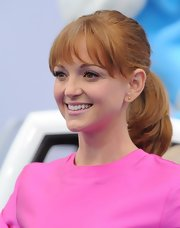Jayma's bouncy ponytail let her straight-across bangs and her rosy cheeks be the center of attention.