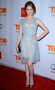 Anna Kendrick paired her beautiful dress with sparkly silver peep-toes.
