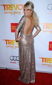 Check out this gorgeous sequined gown Kristin wore to Trevor Live. We adore the sexy backless design.