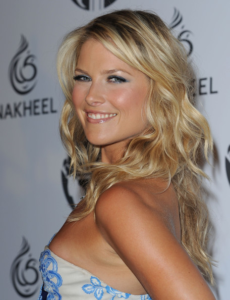 More Pics of Ali Larter Diamond Chandelier Necklace (1 of 8) - Ali Larter Lookbook - StyleBistro