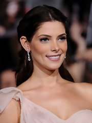 Ashley Greene dazzled on the 'Breaking Dawn - Part 2' red carpet in a shimmering pair of dangling diamond earrings.