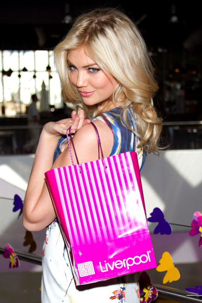 More Pics of Kate Upton Long Wavy Cut (1 of 13) - Kate Upton Lookbook - StyleBistro
