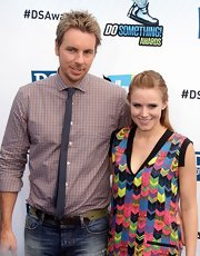 Dax Shepard added a bit of flair to his look with a gray skinny tie.
