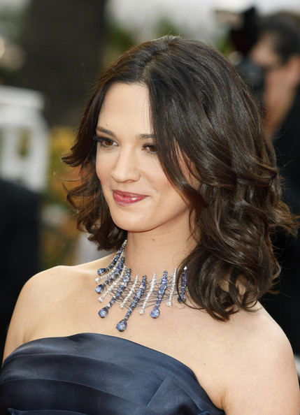 Asia Argento styled her Cavalli gown with a stunning diamond and sapphire necklace from Chopard.