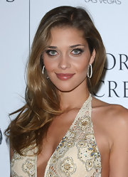 Anna Beatriz Barros wore her feathered waves in a lovely side sweep at the Victoria's Secret What is Sexy party.
