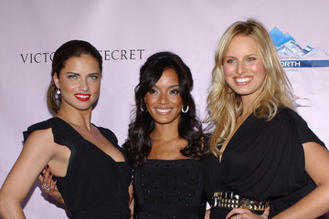 Karolina Kurkova Selita Ebanks Victoria's Secret Super Bowl Party