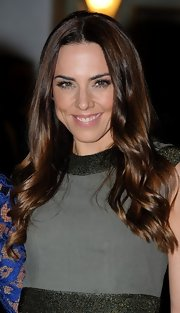 Mel C wore a gorgeous wavy 'do at the Viva Forever! press night.