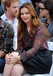 Amber Tamblyn wore her hair in pretty waves at the 50th Anniversary Hand & Footprint Ceremony.