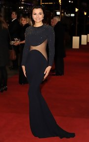 Samantha was fearless on the 'Les Mis' red carpet in this navy gown with a sheer mesh panel.