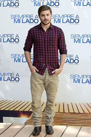 "Zac Efron donned slouchy khakis while promoting ""Charlie St. Cloud."""
