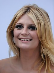 Mischa Barton was full of smoldering beauty at the amfAR Cinema Gala. She amped up her natural look with dark charcoal eyeshadow.