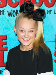 JoJo Siwa sported a high ponytail at the premiere of 'Middle School: The Worst Years of My Life.'