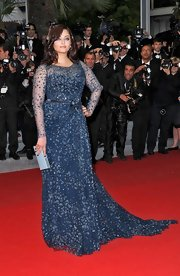Aishwarya looked divine in her midnight blue beaded gown at Cannes.