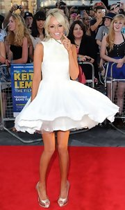 Hayley Roberts was going for a Marilyn moment on the red carpet in this twirling white dress.