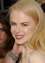 Nicole Kidman looked gorgeous at the 78th Annual Academy Awards. She amped up her look with a dazzling diamond bracelet.