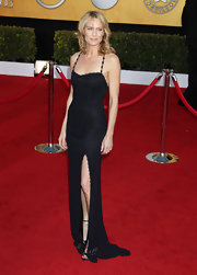 Robin looked sultry at the SAG Awards in a slinky black textured dress with a thigh-high slit.
