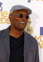 Samuel L. Jackson showed off his signature round sunglasses while hitting the MTV Movie Awards.