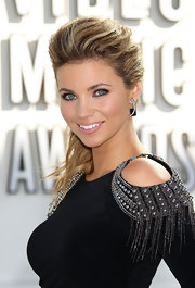Amber Lancaster rocked crescent-shaped diamond earrings on the white carpet at the MTV Video Music Awards.