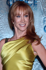 Kathy Griffin showed off medium curls with blunt cut bangs at the People's Choice Awards.