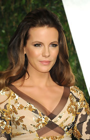 Kate Beckinsale attended the 2012 'Vanity Fair' Oscar Party looking luminous with bronzed skin and sexy smoky eyes.